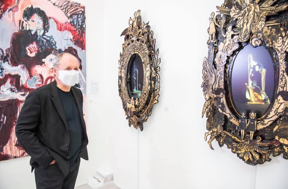 Igor Tsukanov visiting Shtager Gallery's stand at Start Art Fair 2020.